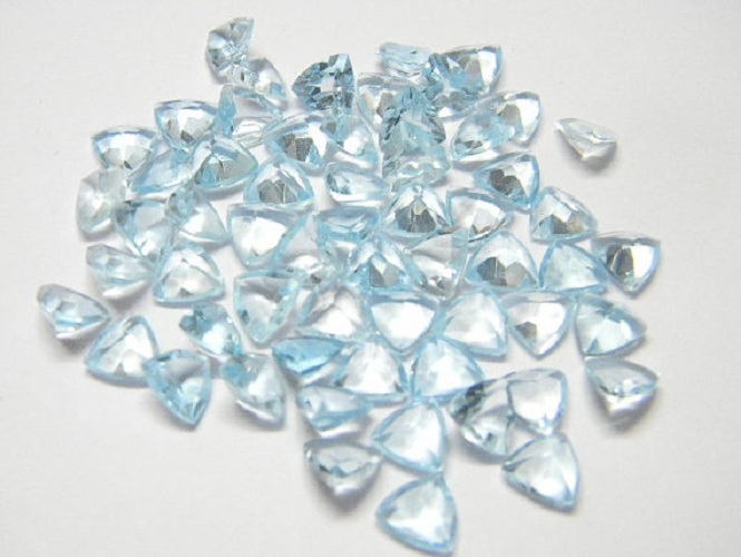 Natural Sky Blue Topaz 4mm 10 Pieces Lot Faceted Cut Trillion Blue Color - Natural Loose Gemstone