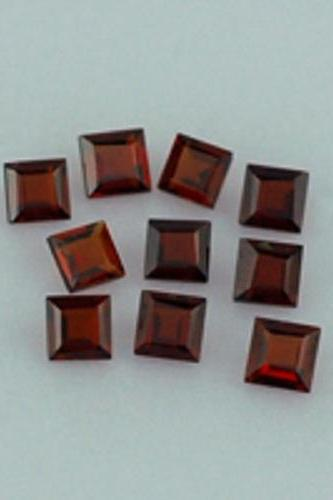 Natural Red Garnet 5mm 50 Pieces Lot Faceted Cut Square Red Color Top Quality Loose Gemstone