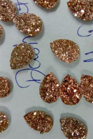 Natural 8x6mm,9x7mm,8x10mm 50 Pieces Rose Gold Color Coating Flat Druzy Pear Best Top Rose Gold Color Gemstone Lot