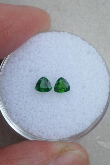 Natural Chrome Diopside- 3mm 2 Pieces Lot Faceted Trillion Calibrated Size Green Color - Loose Gemstone