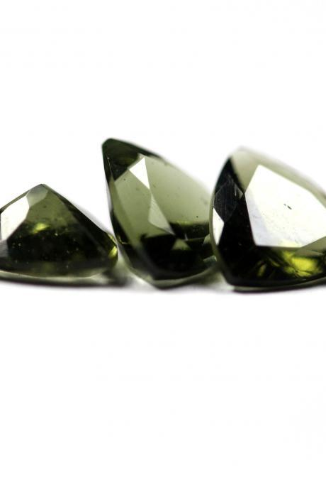 3mm Natural Moldavite Faceted Cut Trillion Top Quality Green Color 1 Piece Loose Gemstone Wholesale Lot For Sale