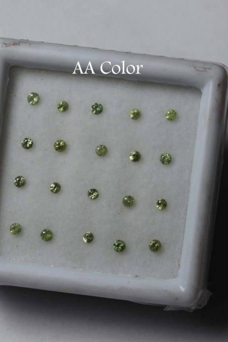 2.75mm Natural Russian Green Demantoid Garnet faceted Cut Round 25 Pieces Lot AA Color Unheated Rare Loose Gemstone
