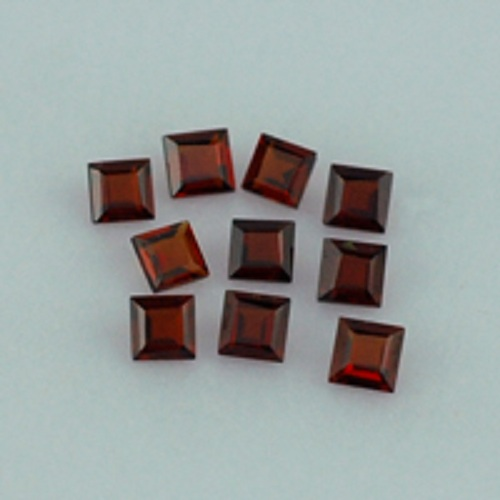 Natural Red Garnet 5mm 100 Pieces Lot Faceted Cut Square Red Color Top Quality Loose Gemstone